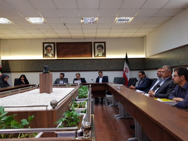 Forty - fourth session of the Planning and Budget Commission of the city council was held .